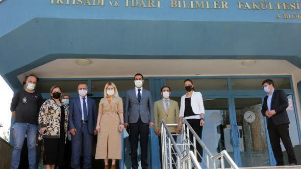 Rektör Özkan, MYO ve İİBFyi ziyaret etti