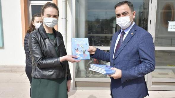 Çocukların ilk kitap günlüğü Belediye Başkanı Erdoğan'dan