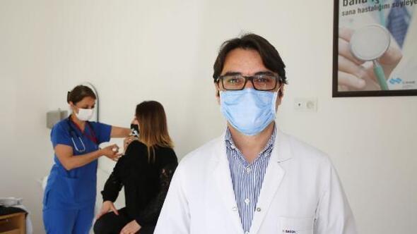 Doç. Dr. Kuşcu: Aşı, salgınla mücadelemizde en büyük silah