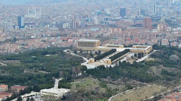 Başkan Taşdelen o iddialara yanıt verdi: 'Anıtkabir'in etrafı imara açılmıyor'