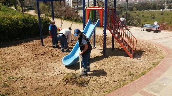 Kartal'daki park ve yeşil alanlar tam kapanma sürecinde yaza hazırlanıyor
