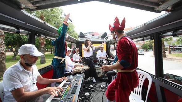 Mobil Ramazan Konserlerine balkonlardan alkış yağdı