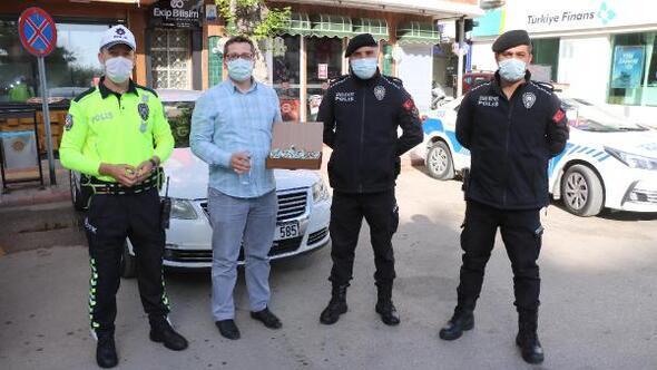 Polislerin bayramını kutladılar