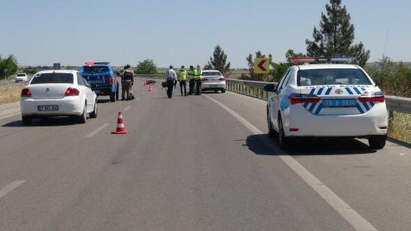 Kilis'te, otomobilin çarptığı motosikletli yaralandı