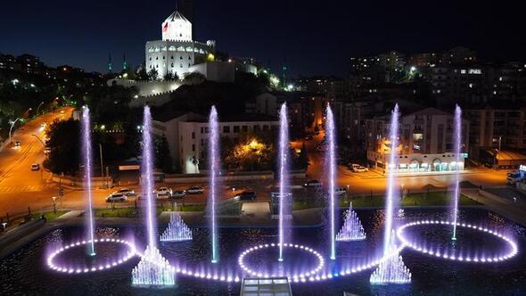 Su ve Gül Meydanı'nda görsel şölen başladı