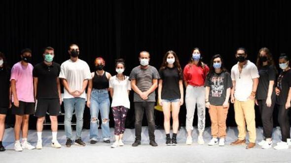 Konyaaltında tiyatro oyunculuğu eğitimleri sürüyor