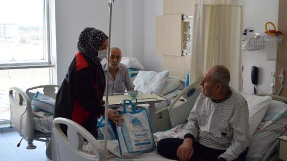 Aksaray Belediyesinden hasta ve yakınlarına sağlık seti