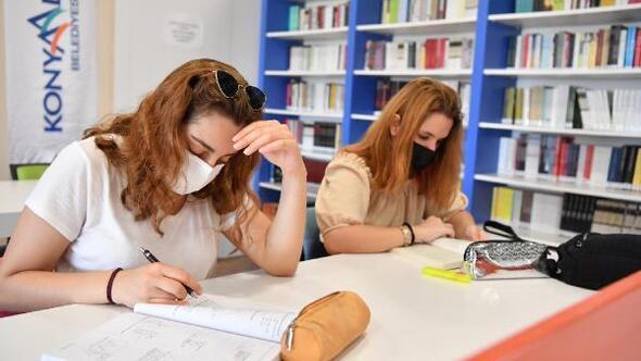 Konyaaltı Belediyesi Kütüphanesine yoğun ilgi