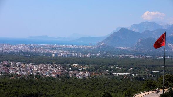 Antalyada düşük nem görüş mesafesini artırdı