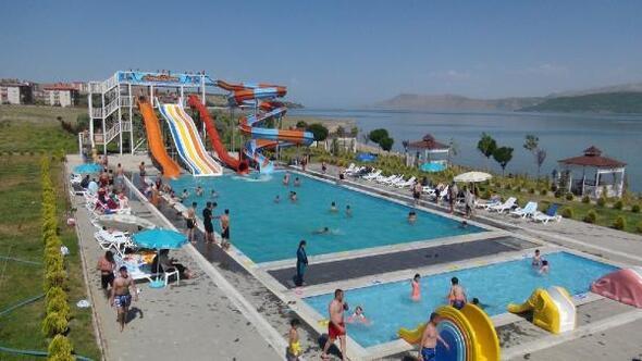 Tatvandaki aqua parka yoğun ilgi