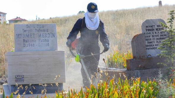 Mezarlıklar temizlendi