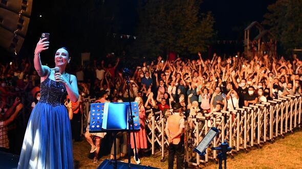 Türkü dolu yaz akşamı