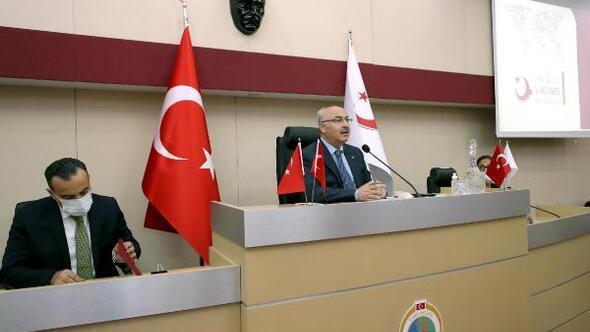 İzmir Valisi Köşger,  İzmirde  200 bin civarında yabancı var