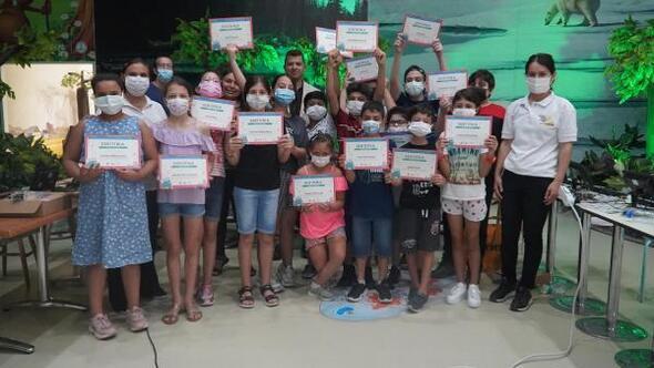 Kodlama eğitimini tamamlayan öğrenciler sertifikalarını aldı