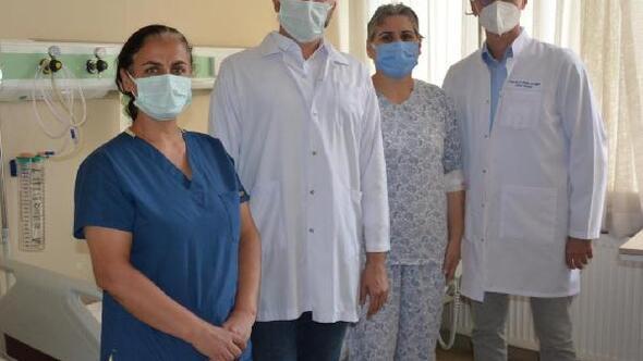Kalın bağırsak ameliyatından karnında kesi olmadan kurtuldu