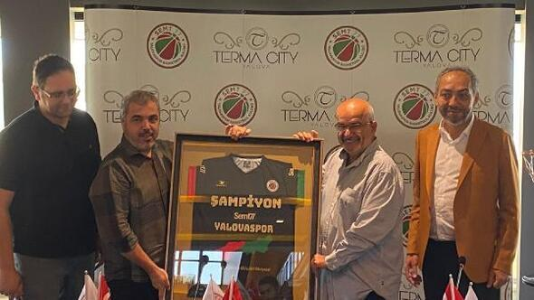 Karaderili Şirketler Grubu Semt 77 Yalovaspora sponsor oldu