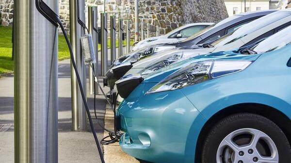 Elektrikli araçlar yakıt maliyetini yüzde 80 azaltıyor