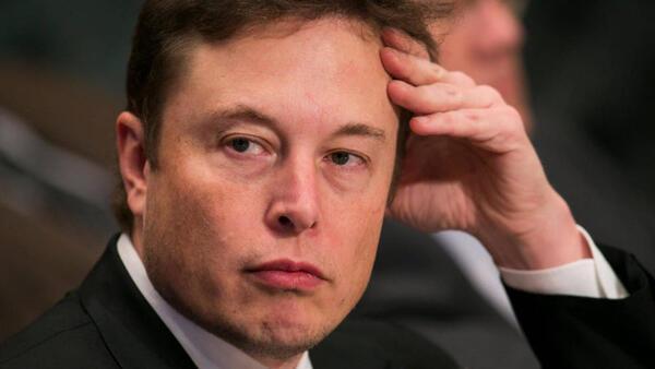Tesla ilk kez bir yılı kârda kapatmayı başardı
