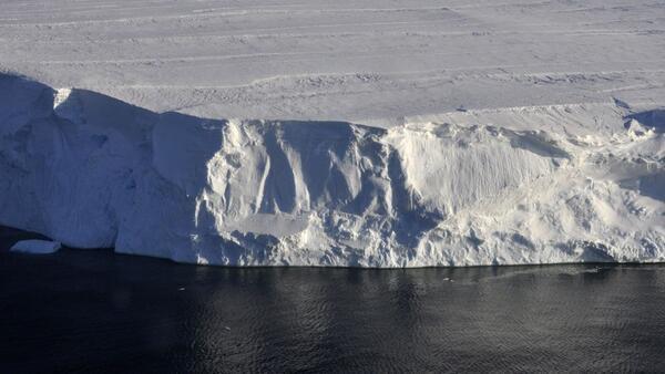 Antarktika'daki 'Kıyamet Günü' buzulu neden hızla eriyor?