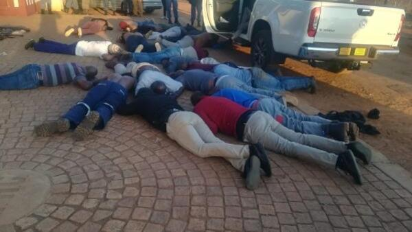 Son dakika! Güney Afrika'da silahlı saldırı