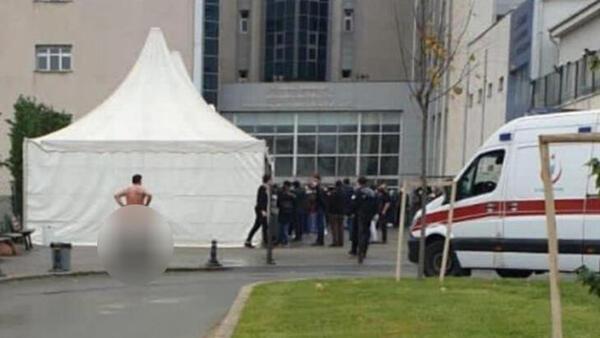 Hastane önünde soyundu! Protesto dediler ama... gerçek ortaya çıktı