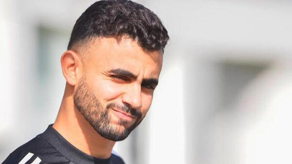 Son Dakika: Transferi yılan hikayesine dönen Rachid Ghezzal, Leicester City'nin kampına katıldı