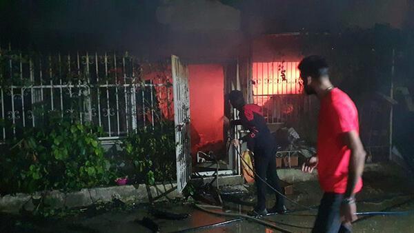 Bursa'da bir apartmanda çıkan yangın söndürüldü
