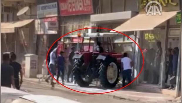 Böyle kavga görülmedi! Traktörle saldırdı! Yaralılar var...