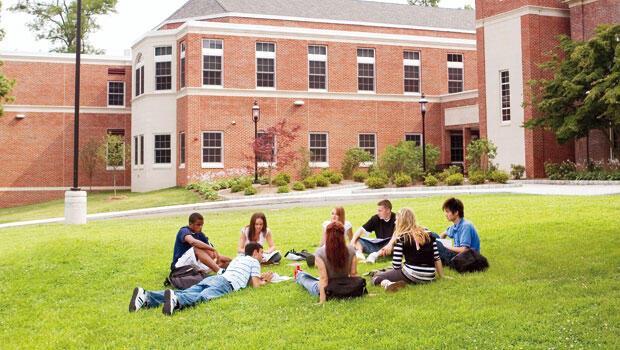 Yurtdışında üniversite eğitimi hakkında bilmeniz gereken 7 önemli nokta ABD'ye talep düşüşte Avrupa yükseliyor