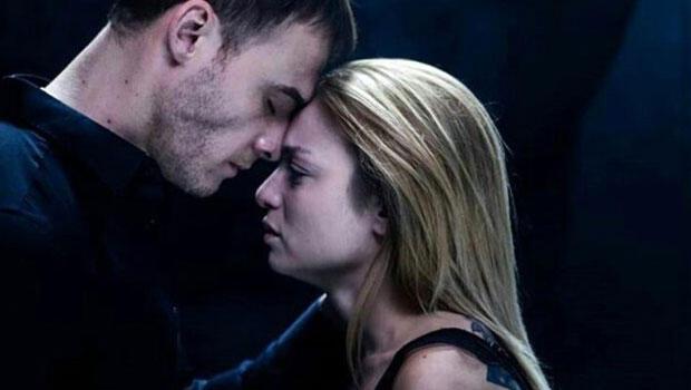Sarımsaklı dürüm yiyor sonra da Gel beni öp diyordu Nilperi Şahinkayadan cevap geldi