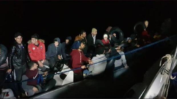 Didim'de 2 lastik botta 80 kaçak göçmen yakalandı