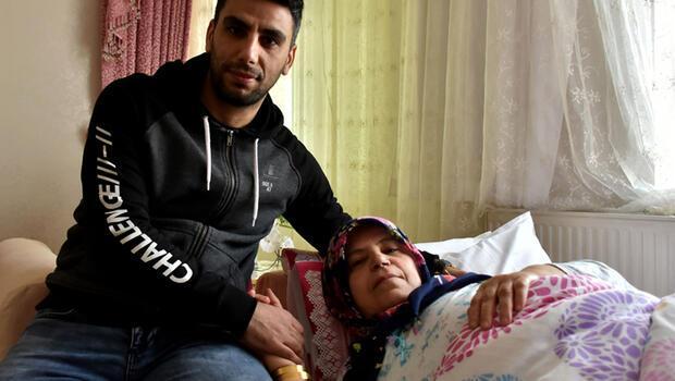 Erdoğan devreye girip izin almıştı! Annesinin yanından bir an olsun ayrılmıyor…