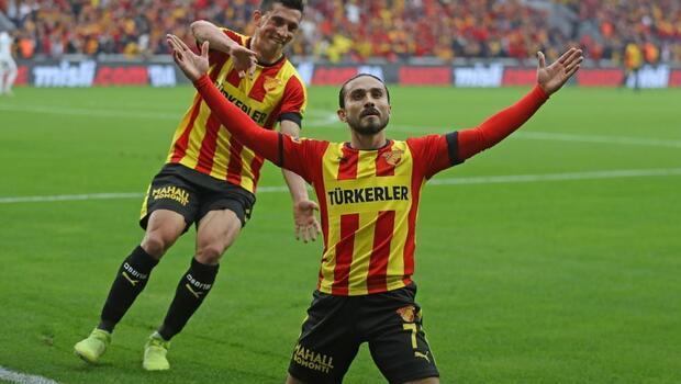 Süper Lig'de sezonun ikinci yarısında henüz bileği bükülmeyen Göztepe, yarın alt sıralardan uzaklaşmaya çalışan İttifak Holding Konyaspor'a konuk olacak. Konya Büyükşehir Belediye Stadı'nda saat 17.00'de başlayacak 90 dakikayı Ali Şansalan yönetecek.
