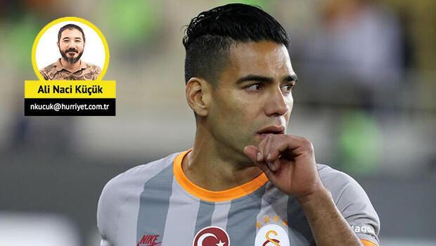 Galatasaray'da Emre Akbaba ve Falcao 11'de, Adem kulübede!