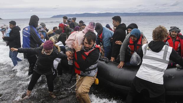 Sınır kapıları açıldı! Akın akın Avrupa'ya