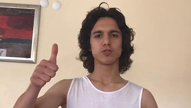 Corona virüs yasağının ardından 16 yaşındaki Emre Demir, evden çalışıyor