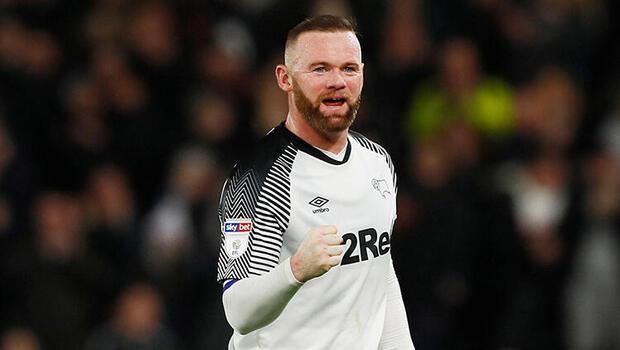 """Rooney futbolcuların """"günah keçisi"""" ilan edilmesine karşı"""