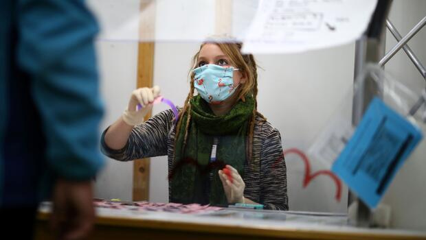Almanya'da corona virüs nedeniyle ölenlerin sayısı 2 bin 16'ya çıktı