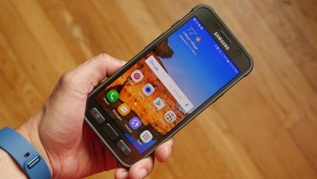 Samsung, iki cihazını 'ölüm'e terk ediyor
