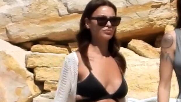 Hazal Filiz Küçükköse'nin bikini kazası!