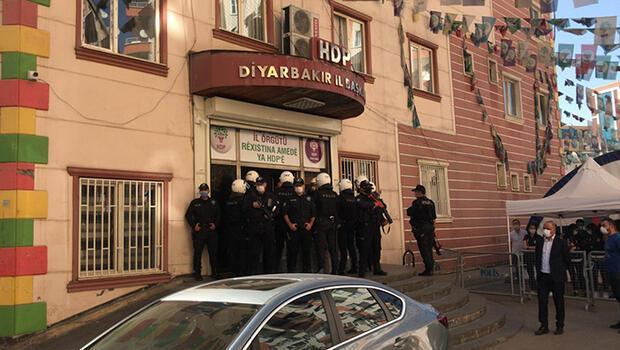 Son dakika... Diyarbakır'da HDP İl Binası'nda arama... Gözaltılar var