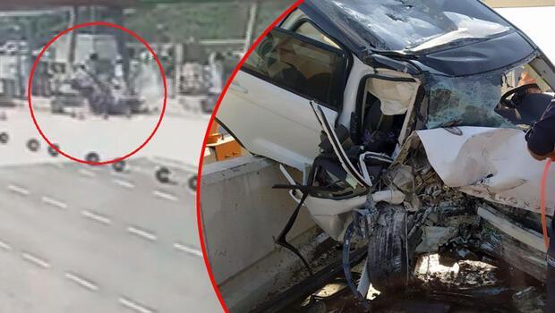 Son dakika... 3'ü ağır 4 kişinin yaralandığı kaza kamerada... Araç bu hale geldi