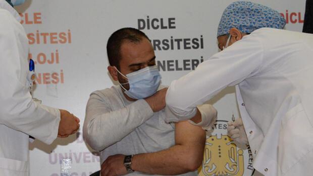 Çin'in koronavirüs aşısı Diyarbakır'da gönüllüler üzerinde uygulandı