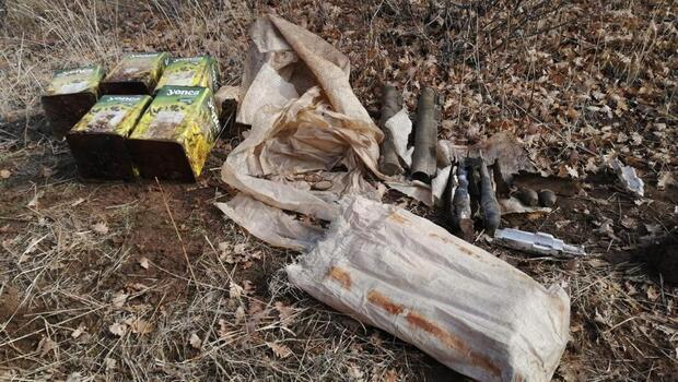 Bitlis'te PKK'ya ait el bombaları, lav silahı ve top mühimmatı ele geçirildi