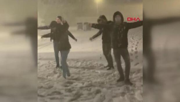 Son dakika... Kar Balkanlar'dan ülkemize girdi! Edirne'de yağış başladı