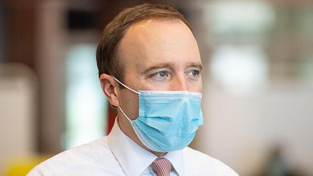 İngiltere Sağlık Bakanı Matt Hancock kendini karantinaya aldı