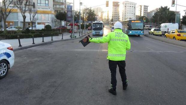 Kadıköy'de toplu taşıma araçlarında koronavirüs denetimi
