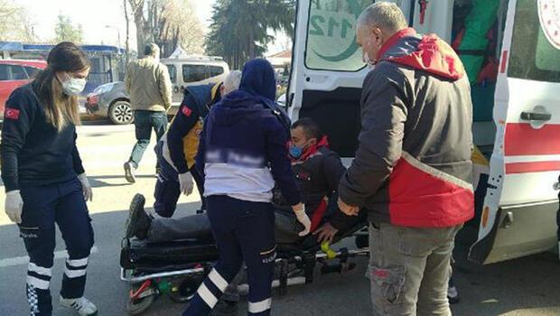 Ürün dağıtımında tutunduğu kamyondan düşüp yaralandı