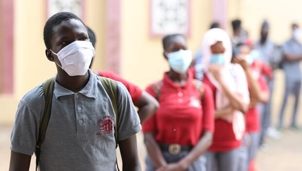 14 ülke üçüncü dalganın eşiğinde... Afrika halen aşı bekliyor