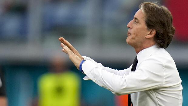 """Roberto Mancini: """"Bizim için şimdi başka bir turnuva başlıyor"""""""